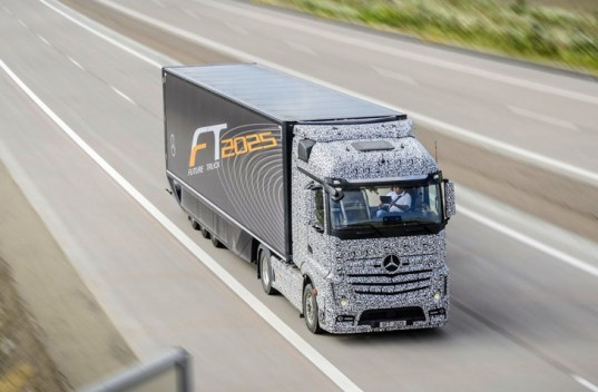 Daimler, Mercedes-Benz, Mercedes-Benz Future Truck 2025, autonomous truck, self-driving truck, green transportation, green car, autonomous vehicle, Mercedes-Benz autonomous vehicle