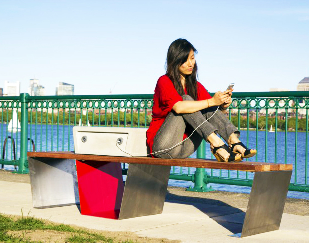 """Boston's Solar-Powered """"Soofa"""" Benches Charge Devices and Monitor the Local Environment!"""