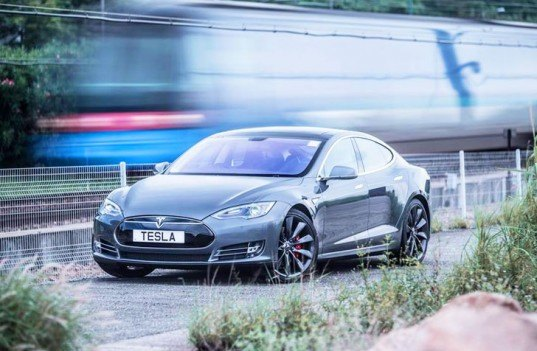 Tesla's $35,000 Model III Electric Car is Coming in 2017 With a 200-Mile Range