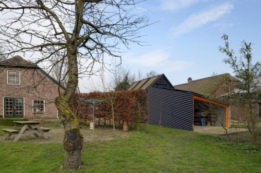 Tiny Solar Shed, Ruud Visser Architectuur, ruud visser architects, solar shed, green renovation, shed, metal shed,