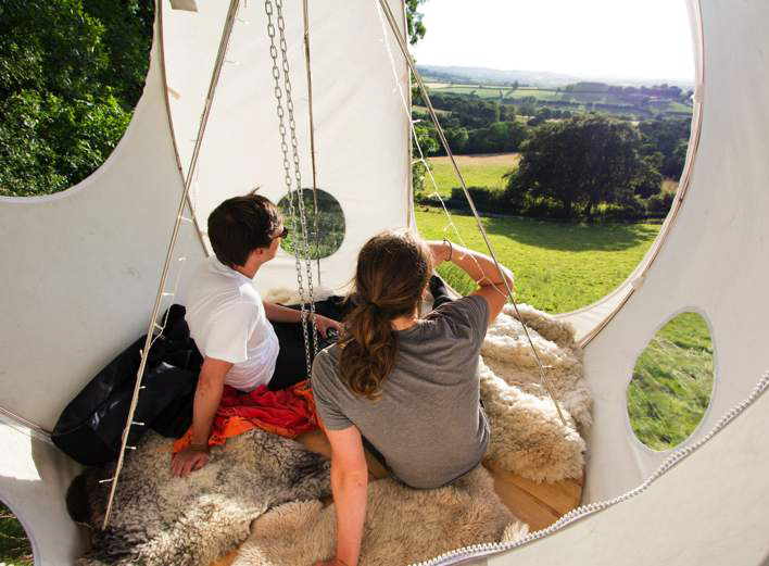 Roomoon Awesome Moon-Shaped Treehouse Tents are Perfect for Summer Gl&ing & Roomoon: Awesome Moon-Shaped Treehouse Tents are Perfect for ...