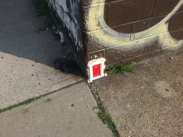 StartSlideshow. \u003e & Mysterious Tiny Apartment Door Appears in Williamsburg Brooklyn ... Pezcame.Com