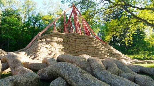 Bittertang architecture, Buru Buru living amphitheater, straw-filled tubes, straw architecture, multifunctional architecture, sustainable building materials, biodegradable building materials, natural building materials, performance architecture, straw noodles, LED lights, green lighting