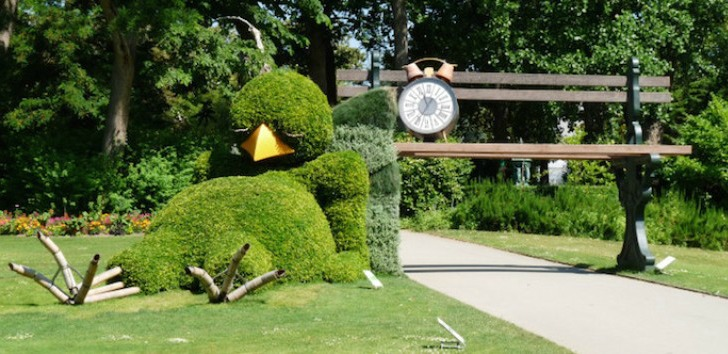 Claude Ponti\'s Sleepy Bird Topiary is Probably the Cutest Thing Ever ...