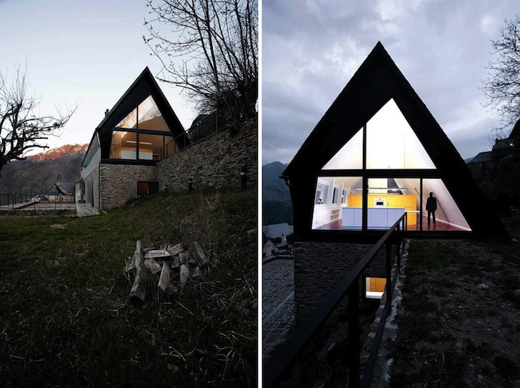 Contemporary house in the pyrenees overlooks amazing views of northern spain s mountains for Maison toit pointu