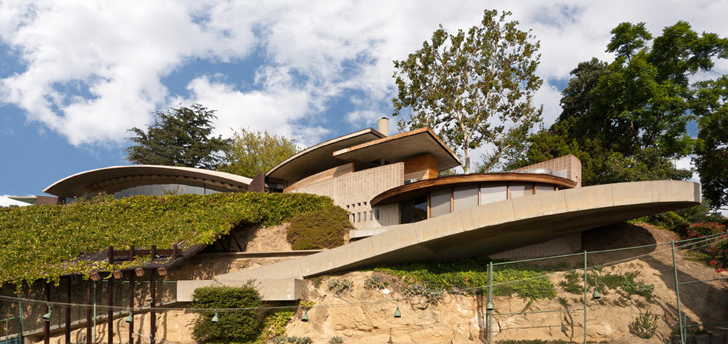 john lautner 39 s silvertop house goes for sale for the first