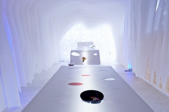green design, eco design, sustainable design, Kotaro Horiuchi, pop up office space, modular office space, glass fiber paper, Paper Cave, White Cube Gallery Nagoya