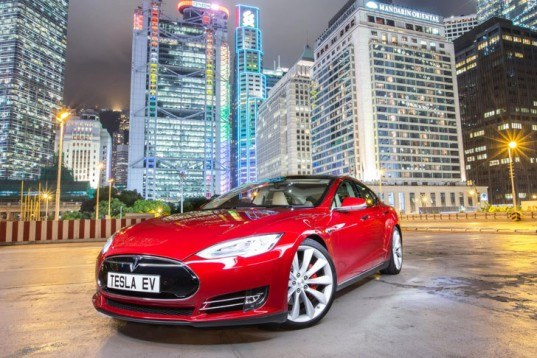 Tesla Announces Plans to Deliver 100,000 Electric Cars in 2015