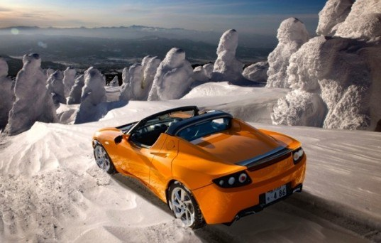 Tesla Roadster to Get 400-Mile Battery Upgrade Later This Year