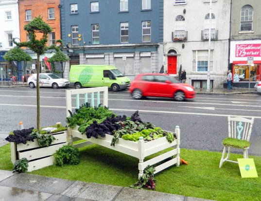parking day, Park(ing) Day, parking day 2014, Park(ing) Day 2014, urban space, pop-up park, parks, park, sustainable design, green design, green events, green architecture, landscape architecture, eco art, green art, rebar, urban design, green space, parking spot, parking lot, parklet, Dublin, Barry Murphy, Lazy Salad Bed