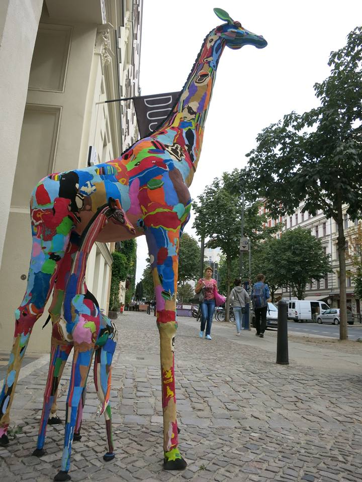 265681da358b2b These colorful animal sculptures help remove discarded flip-flops from the  ocean