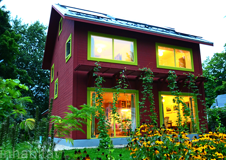Amazing passive home in freezing wisconsin uses less for Building a house in wisconsin