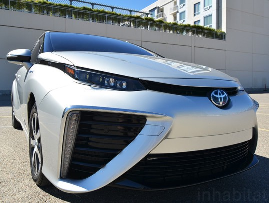 Toyota FCV, Toyota Fuel Cell Vehicle, 2015 Toyota FCV, 2015 Toyota Fuel Cell Vehicle, Toyota hydrogen vehicle, Toyota hydrogen vehicle, hydrogen car, green transportation, sustainable transportation, green car, electric car, electric vehicle, hydrogen electric vehicle, sustainable design, green design, Toyota FCHV-adv, first hydrogen car, first hydrogen vehicle