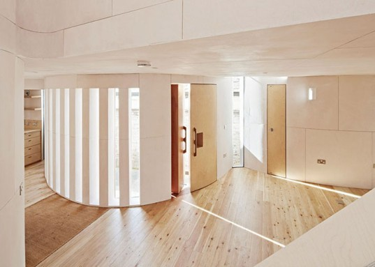 Chimes House, David Sheppard Architects, UK architects, small houses, curved walls, pianist home, daylit home, natural lighting, tiny spaces