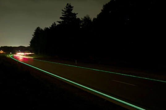 green design, eco design, sustainable design, Daan Roosengaarde, Smart highways, Glowing Highways, Heijmans Infrastructure, solar powered highway, Glowing Lines