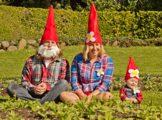Gnome In Garden: 11 Brilliant Ideas For Family Costumes That Will Blow You Away