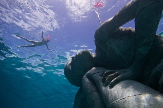 Jason deCaires Taylor, Ocean Atlas, underwater sculpture, art, bahamas art, B.R.E.E.F, Bahamas Reef Environment Educational Foundation, ocean life, ocean initiatives, underwater sculpture garden, Sir Nicholas Nuttall, stressed natural reef, ocean reefs,  coral reef protection