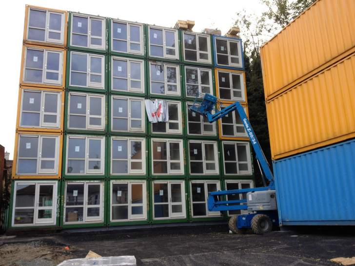 Richardson\'s Yard shipping container homes « Inhabitat – Green ...