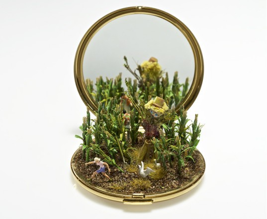 Kendal Murray, tiny worlds, staged scenarios, natural settings, amazing miniature worlds,