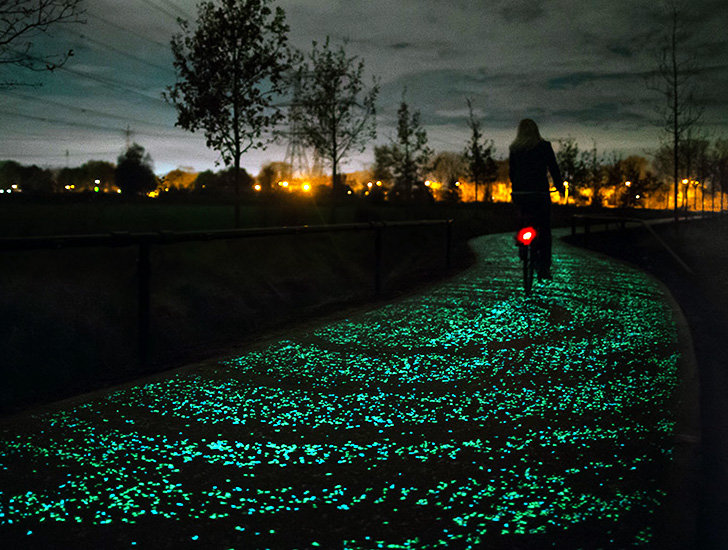 Van Gogh Starry Night, Van Gogh bike path, Van Gogh Roosegaarde, Daan Roosegaarde, Roosegaarde Studios, Roosegaarde Studios bike path, Roosegaarde studios glowing path, Roosegaarde Studios glowing pathway, Starry Night glowing pathway, Starry Night bike path, Roosegaarde Studios art, Van Gogh LED pathway, Van Gogh solar pathway, Roosegaarde solar pathway, Roosegaarde LED pathway