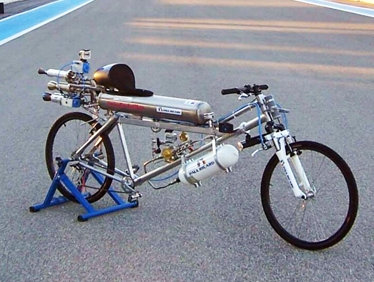 Swiss Man Breaks The Bicycle Speed Record With Insane 207 Mph
