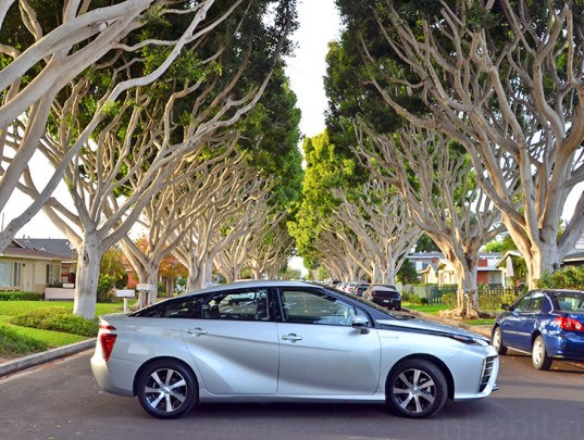 Mirai, fuel cell vehicle, Toyota, Toyota Mirai, Toyota fuel cell vehicle, hydrogen vehicle, hydrogen car, hydrogen fuel cell, toyota hydrogen fuel cell vehicle, sustainable transportation, green transportation, green car, eco vehicle, 2015 Toyota Mirai, hydrogen fuel station, poo power, Fountain Valley Renewable Hydrogen Station, biogas hydrogen, waste to energy, hydrogen gas from sewage