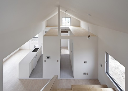 twin peaks house, south korea, mountain-inspired architecture, zigzag roof, apparat-c, children play space, open plan layout, gable roof, high ceilings,
