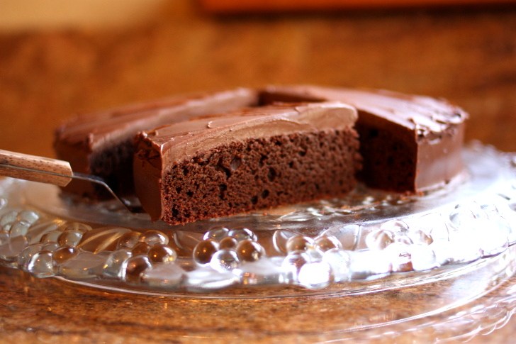 RECIPE: Decadent Vegan Chocolate Cake (That's Actually Full of Vegetables!)