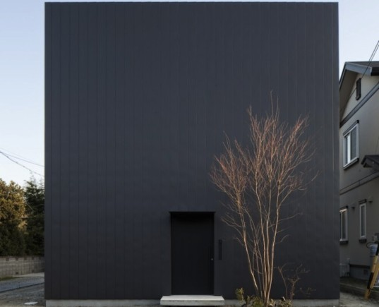 japanese architecture, Ant House, Japan, Shizuka Prefecture, mA-style architects, gable roofed structure, home within a home, monolithic architecture, metal clad architecture, contemporary home, plywood, larch plywood, natural light