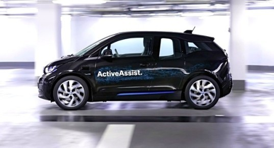BMW, BMW i3, BMW i3 prototype, smartwatch, 360 degree collision avoidance, remote valet parking assistant, parking, parking garages, urban planning, green car, green transportation