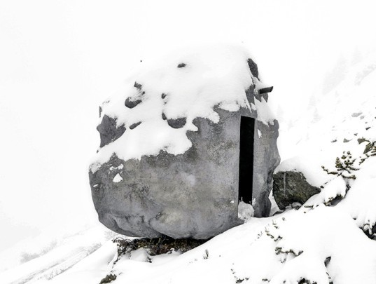 ANTOINE, Bureau A, micro shelter, camouflaged shelter, swiss alps, mini shelter, writer studio