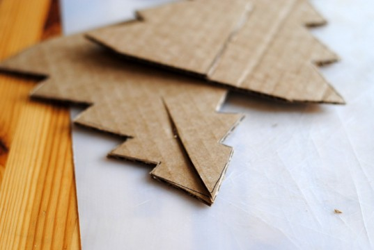 DIY, craft, Christmas, cardboard, paper, cut, village, house, Christmas tree, how-to, creative, kids, eco-friendly, recycled
