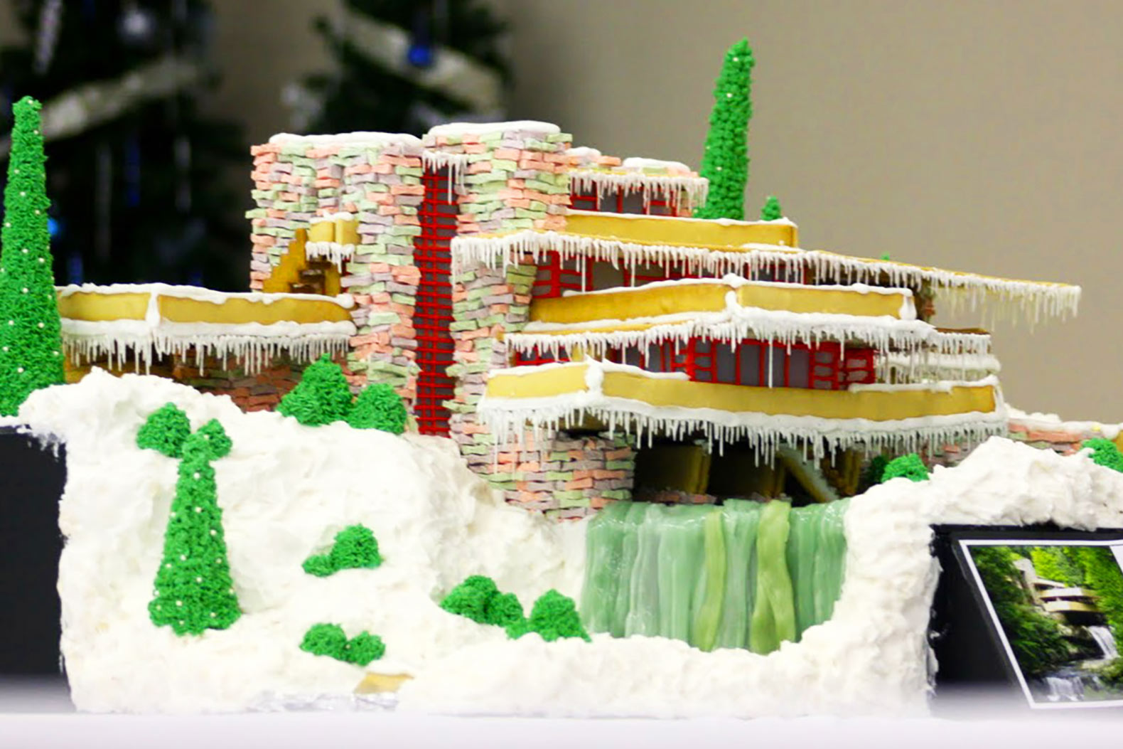 Falling Water, architecture, Gingerbread House, holiday, Frank Lloyd Wright, DIY, baking, christmas