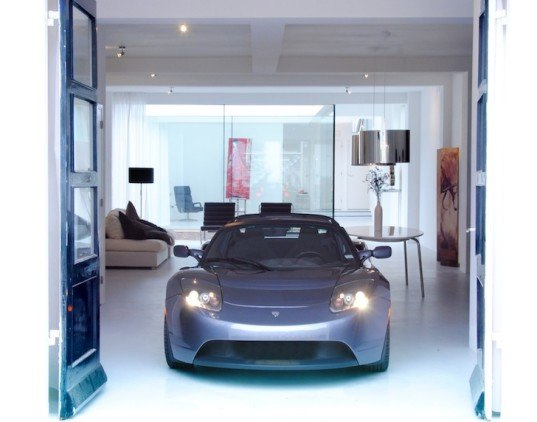 Industrial space transformed into a beautiful energy for Garage energy automobiles