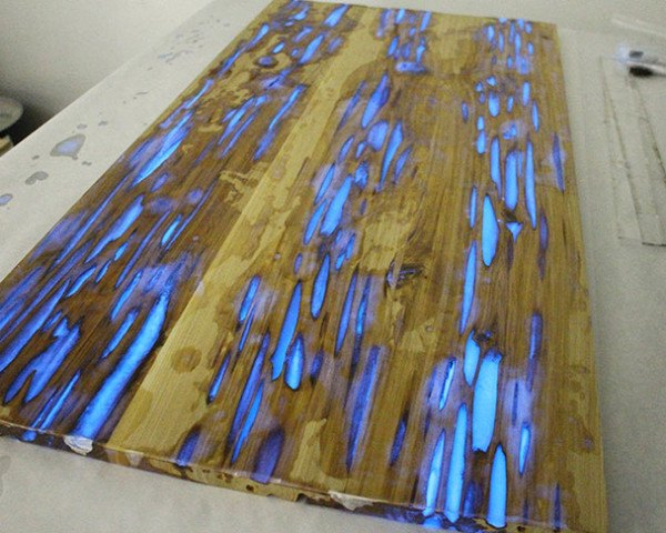 glow in the dark paint for wallsHOW TO Make a stunning wooden table with glowinthedark resin
