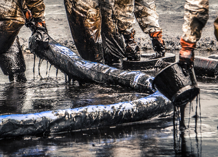 oil spills damage the environment Oil spills cause great environmental damage large oil spills sometimes occur during drilling, transport, and use, which of course affect the surrounding environment but these spills aren't the only risk.