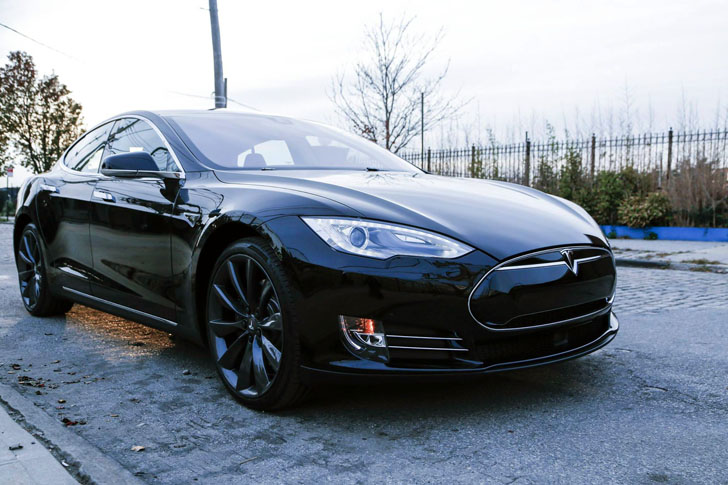 Tesla S New Battery Swap Station Will Give Electric Vehicles A Full Charge In 3 Minutes Flat