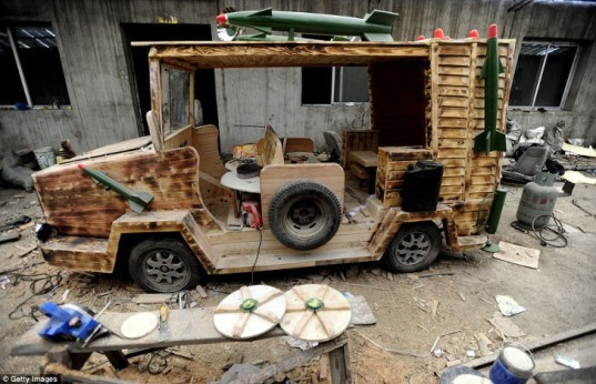 homemade car, wooden car, electric car, armored car, carpentry, diy car, diy vehicle, China, Chinese, homemade, building, missiles