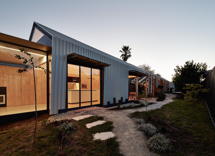 Energy Efficient Cut Paw Paw House Is Ridiculously Inside