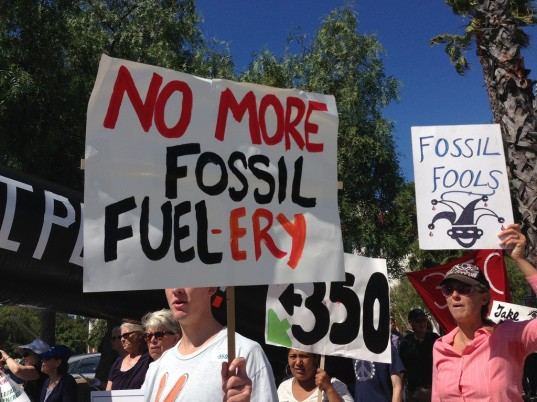 fossil fuels, protest, 350.org, Bill McKibben, marchers, protest signs, clean energy, climate change