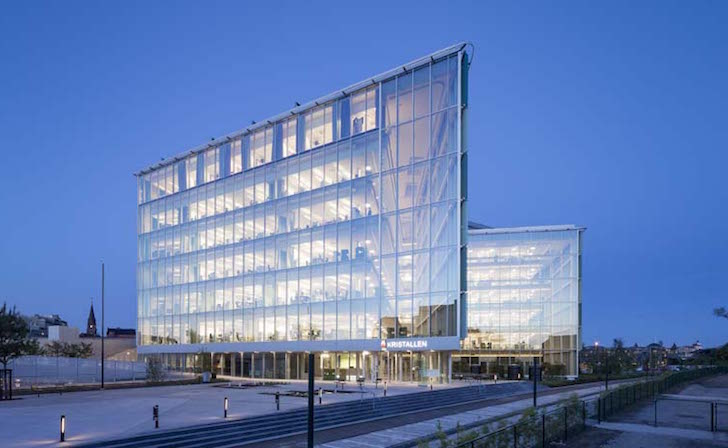 Sweden S Greenest City Hall Is Topped By Solar Panels And
