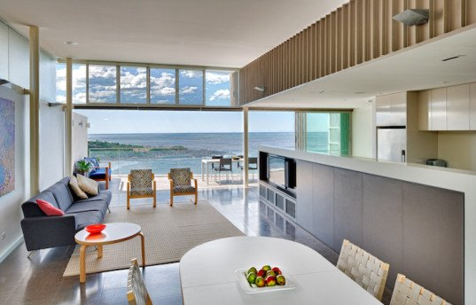 Utz Sanby Architects, Queenscliff House, Sydney, Australia, energy efficiency, energy efficient architecture, energy efficient house, wedge-shape home, cliffside home, natural light, glazing, ocean views, panoramic views, floor to ceiling glazing, thermal efficiency, hydronic under-floor heating, rainwater collection, rainwater tanks