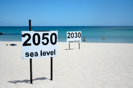 Sea_levels_rising_faster2