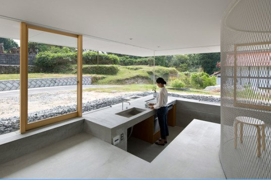 Suppose Design Office, transparent home, Hiroshima Hut, Hiroshima, Japanese arhcitecture, sunken rooms, see-through house, see-through walls