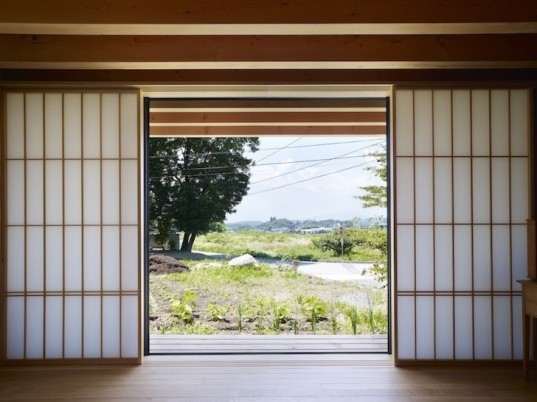 Yatsugatake Villa, Yatsugatake mountain, japan, japanese architecture, MDS, south facing rooms, south facing light, passive design, passive house techniques, organic home, rounded doorways, fan-shaped, countryside house, vegetable garden