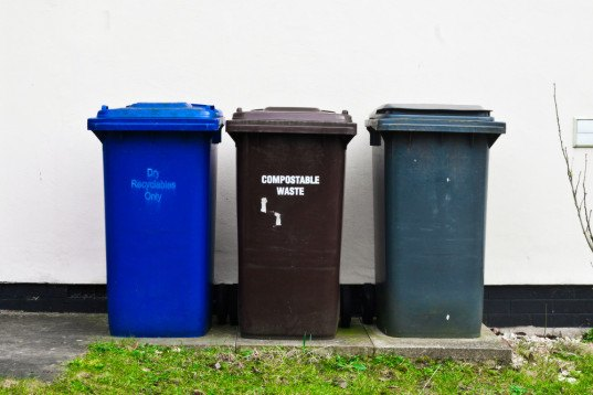 Seattle, recycling, compost, composting, trash, garbage, food waste, law, laws, fine, waste collection, landfill, greenhouse gas, methane, global warming, climate change, green, green city, Washington