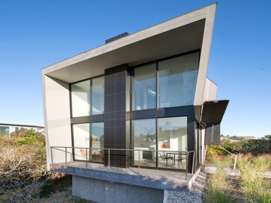 Hamptons house, country house, waterfront, NY waterfront, flood-resistant house, floods, water-resistant house, Bates Masi Architects, New York architecture, glass walls, FEMA, green architecture, daylit architecture