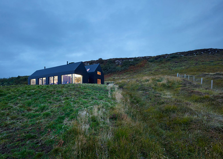 colbost house is a sleek black residence on the isle of skye inhabitat green design. Black Bedroom Furniture Sets. Home Design Ideas
