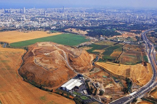 Hiriya Garbage Dump in Tel Aviv Transformed, World's Largest Recycling Facility, garbage mountain, ayalon park, hiriya landfill, shit mountain, Hiriya Park, Landfill transformed into park, hiriya, ariel sharon park, peter latz, peter latz landscape architecture, urban planning, recycling facility, transfer station, largest recycling facility in the world, world's largest recycling plant, Ben Gurion International Airport