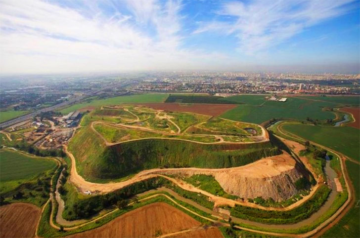 Tel Aviv's notorious 'Garbage Mountain' transforms into world's largest recycling park